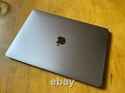 Apple MacBook Pro 13 (2017) i7 3.5GHz, 16 GB, 1 TB SSD, 4 thunderbolt ports