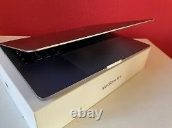 Apple MacBook Pro 13.3 Zoll (256 GB, Intel Core i5 8. Gen. 2,3GHz, 8GB) Space