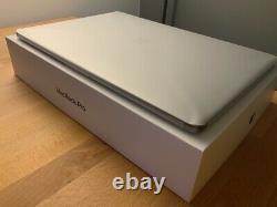 Apple MacBook Pro 15 2017, i7, 16GB RAM, 512GB SSD, Radeon 560, Space Grey