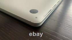 Apple MacBook Pro A1398 15,4 Zoll Laptop MJLT2D/A (Mai, 2015, Silber)