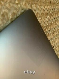 Apple Macbook Pro 13 2017 3.5GHz i7 16GB 256GB Touch Bar finish fades on metal