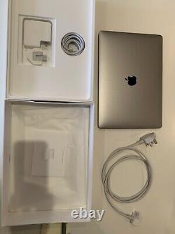 Apple Macbook Pro 13, 2,3 Ghz Core I5, 8 Go De Ram, 256 Go Ssd, 2017 Immaculate