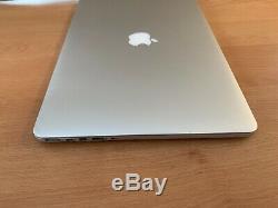 Apple Macbook Pro 15 Pouces, 2,2 Ghz Core I7, 16 Go Ram, 256 Ssd, 2015 (p83)